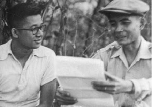 Ninoy negotiating for the surrender of Huk Supremo Luis Taruc in 1954. Source: Presidential Museum and Library